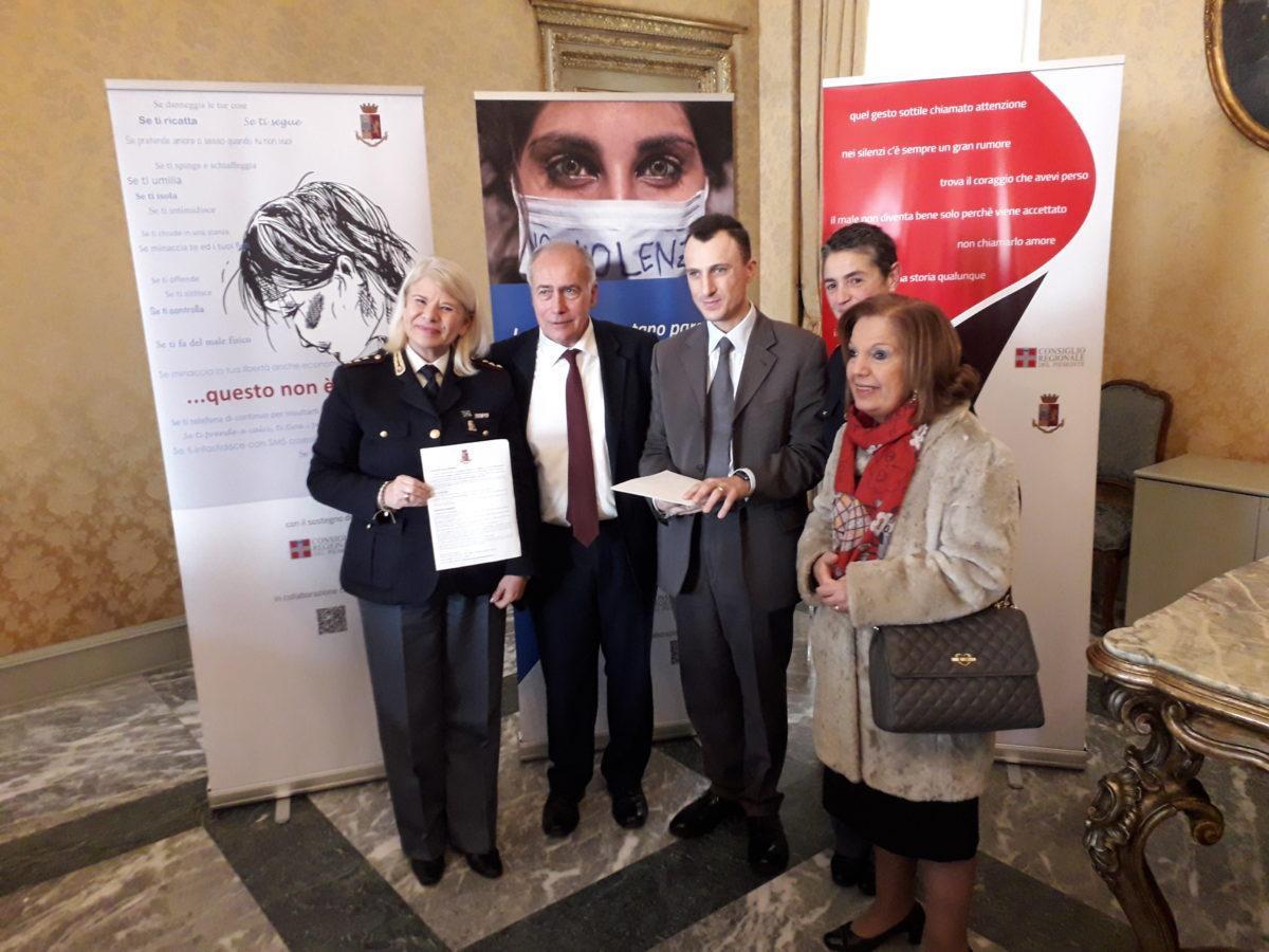 Dirigenti UICI Torino con presidente Consiglio Regionale Piemonte e rappresentanti Polizia di Stato