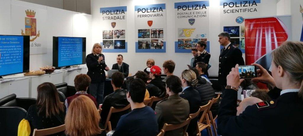 L'incontro organizzato dalla Polizia di Stato al Salone del Libro di Torino