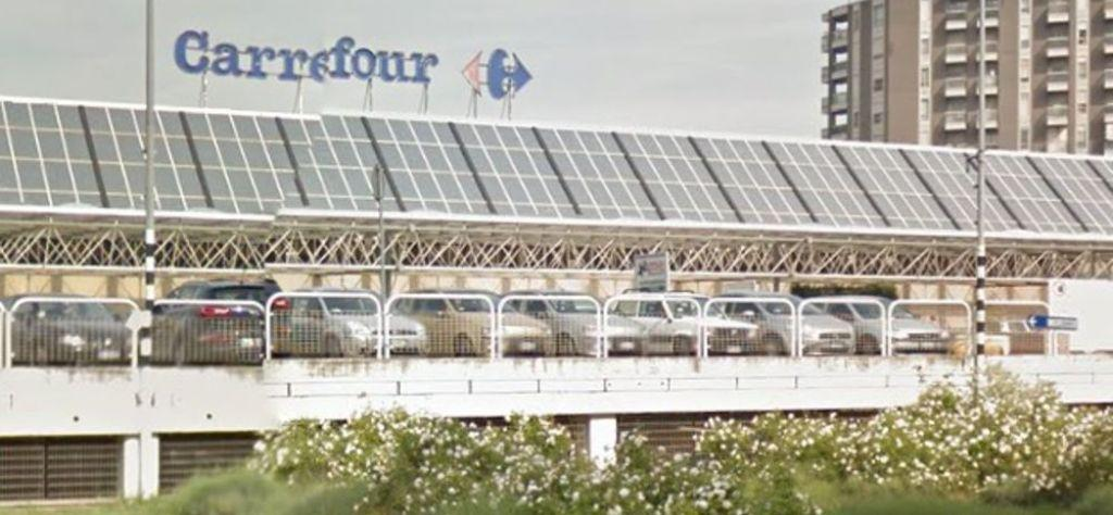 Ipermercato Carrefour Monte Cucco, esterno