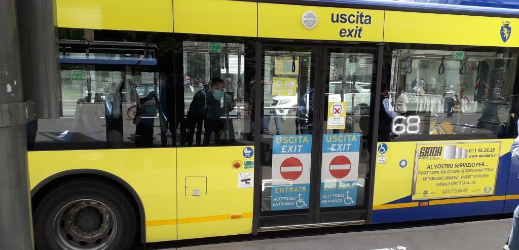 Un bus in servizio sulle linee Gtt