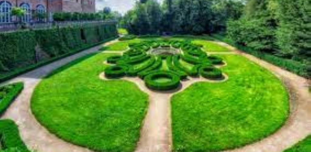 Aiuola decorata nel parco del Castello di Agliè